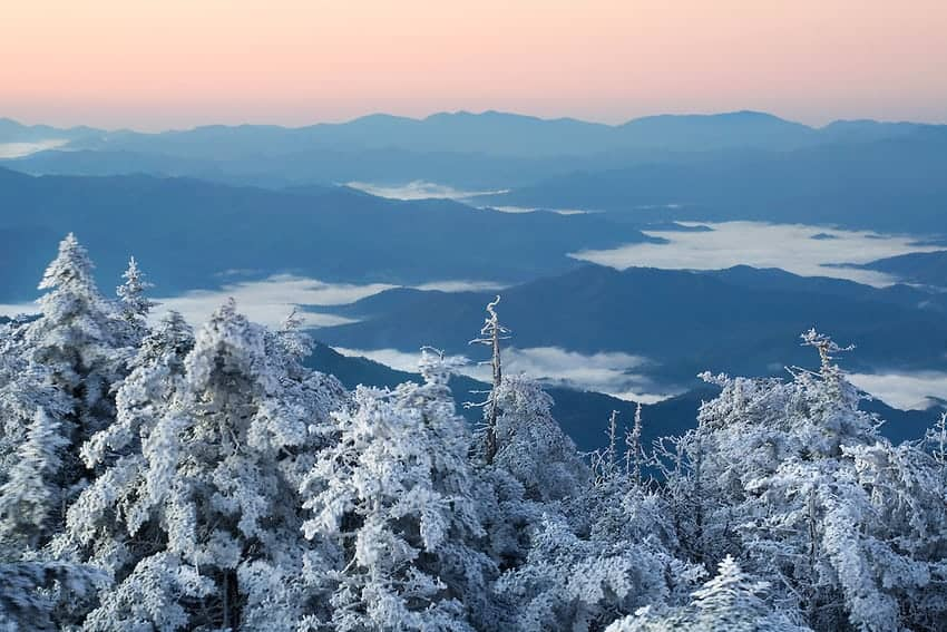 What Makes Gatlinburg the Best Place for a Winter Group Vacation?