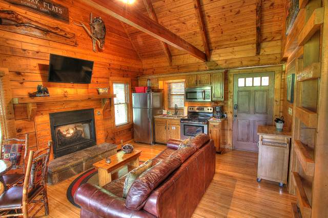 moose alpine in tracks tn rentals cabins cabin gatlinburg chalet