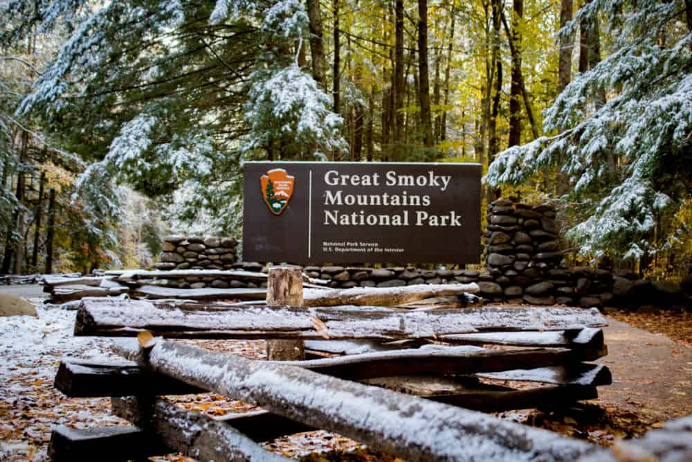 great smoky mountains national park sign snow
