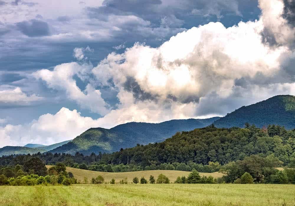 4 Places in the Smoky Mountains You Need to Visit on Your Next Vacation