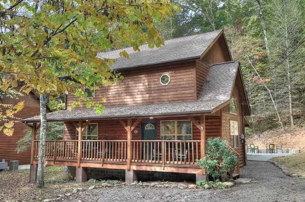 one of the 2 bedroom cabins in gatlinburg