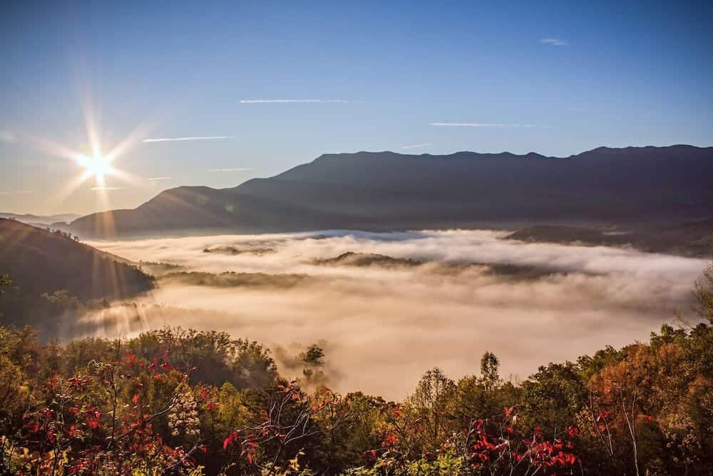 5 Great Scenic Drives in the Smoky Mountains You Should Try