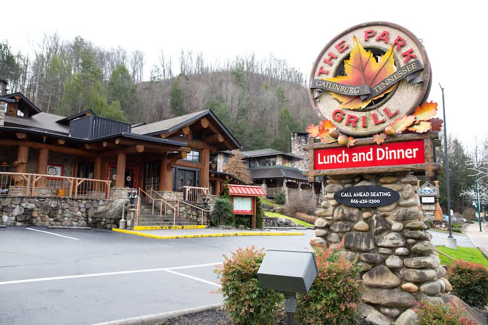 Top 5 Places to Eat in Gatlinburg for Date Night